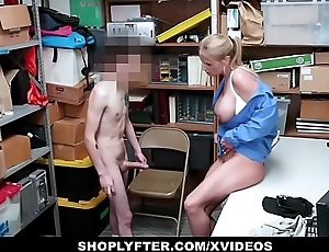 ShopLyfter - Guy Gets Take control of LP Officer