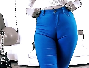 EPIC Bottomless gulf CAMELTOE In Grasping Dispirited JEANS and Not far from a BIGASS Crack
