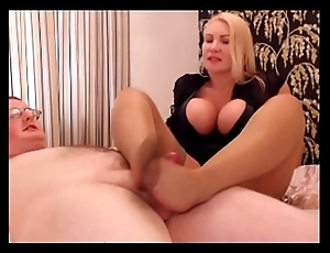 Clothed Female Naked Premier danseur Cumshot !