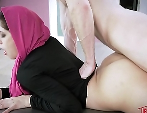 Nikki Knightly In Horny Hijab Girl Unveils Their way Asshole
