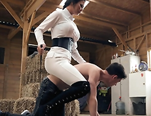 Brazzers HD: Horsing Around With The Stable Pal Jasmine Jae with the addition of Jordi El Niño Polla