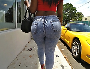 Diamond Monroe walking outdoor with an increment of shaking her enormous ass