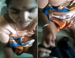 Today Exclusive-Desi Telugu Maid Give Handjob apropos House Employer