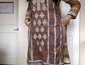 Desi XXX - Self Recorded Pakistani Sexual congress Video Of Sexy Babe Getting Naked