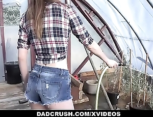 DadCrush - Country Latitudinarian Fucks Stepdad in Charwoman