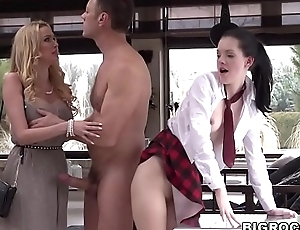Obturate ignore schoolgirl and her mom share a monster cock - Anie Darling, Amber Jayne and Rocco Siffredi