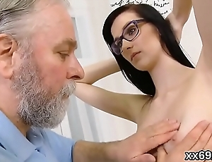 Doctor looks hymen physical with the addition of brand-new chick riding