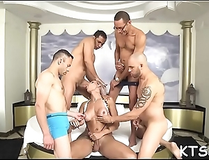 Peachy lady-boy receives will not hear of extensile booty impaled on big dick