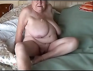 Abuela de 78 a&ntilde_os penetrada por become friendly de su esposo LustyGolden Colombia