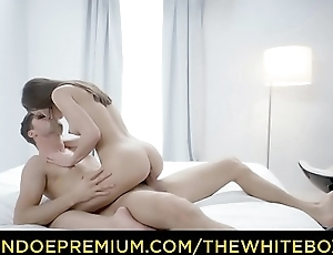 THE WHITE BOXXX - Erotic 69 and doggy style lady-love for beautiful babe Evelina Darling